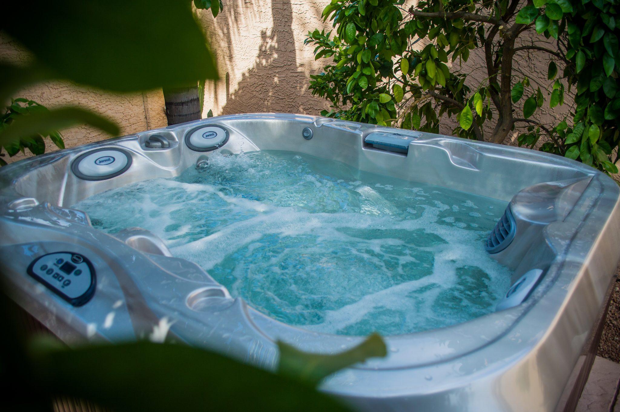 Outdoor Jacuzzi Hot Tub in Hurricane, Utah